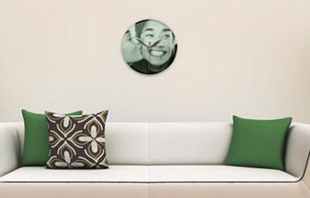 horloge murale en verre personnalis e avec photo commander sur comboost site de cr ation de. Black Bedroom Furniture Sets. Home Design Ideas