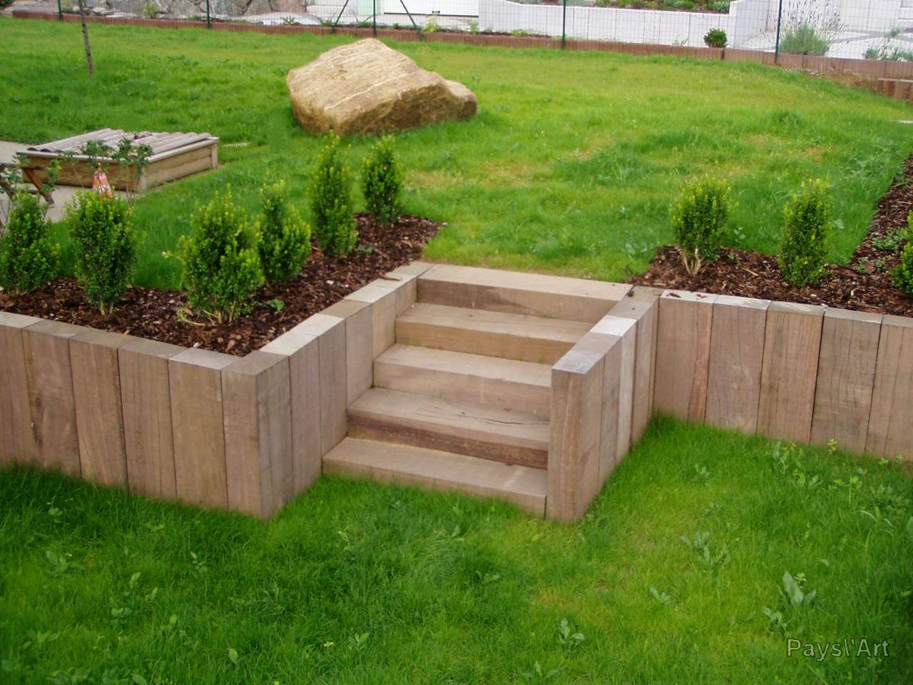 Bordure retenue terre for Bordure de jardin en bois mr bricolage